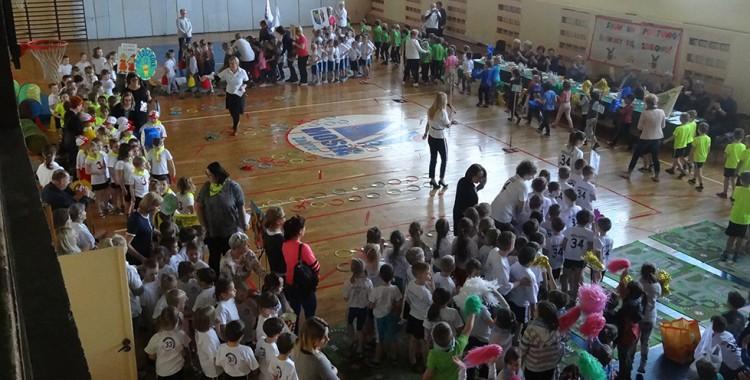 """XVI Międzyprzedszkolny Turniej Sportowy ,,Show na sportowo bawimy się zdrowo"""" FOTOGALERIA"""